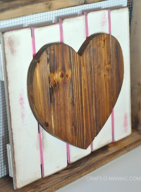 diy rustic heart gate 7