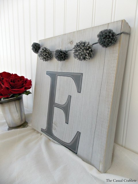 wood projects DIY-Monogram-Wood-Plaque-with-pom-pom-garland-2