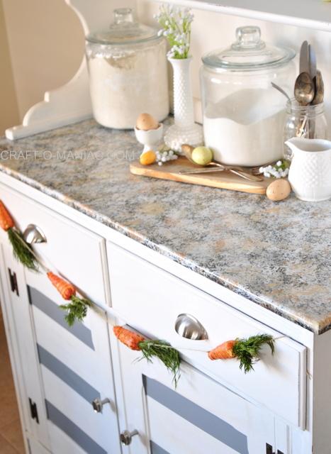 easter hutch carrot garland 1