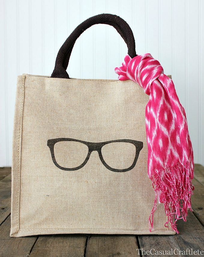 easy craft Burlap-Bag-with-iron-on-transfer1