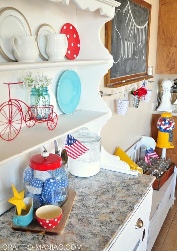summer patriotic kitchen decor4