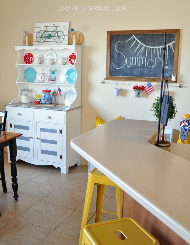 summer patriotic kitchen decor9