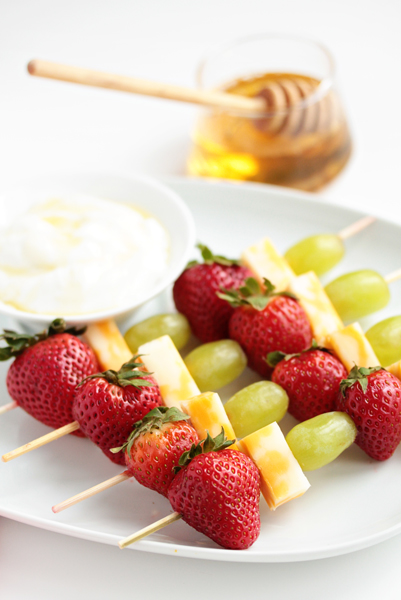 summer snack Fruit-and-Cheese-Skewers