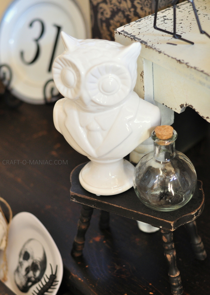 black and white halloween decor owl bust2