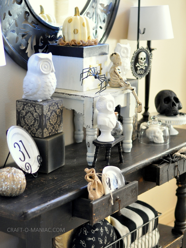black and white halloween decor1