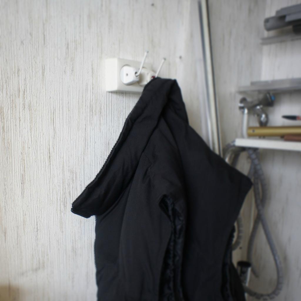 plug coat hanger