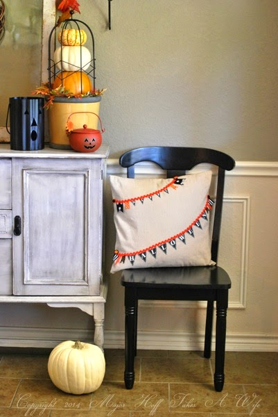 CCLPmake a no sew halloween pillow to add to your decor