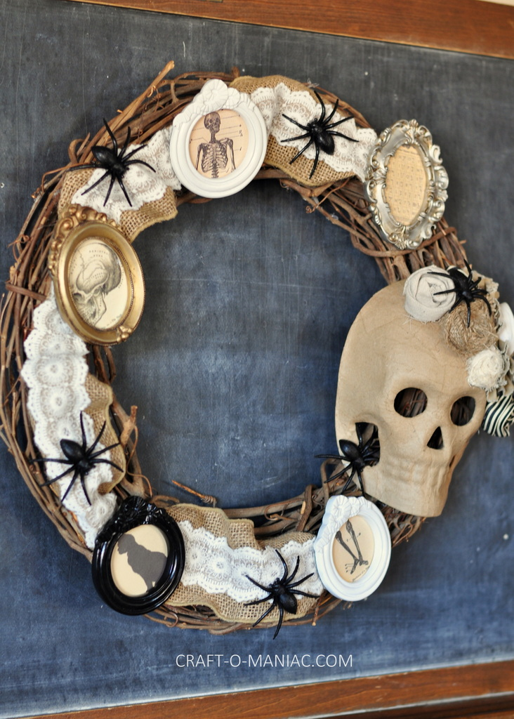 diy halloween vintage frames wreath1