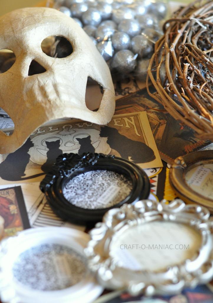 diy halloween vintage frames wreath12