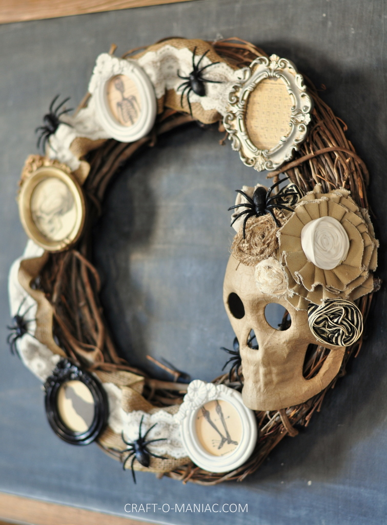 diy halloween vintage frames wreath2