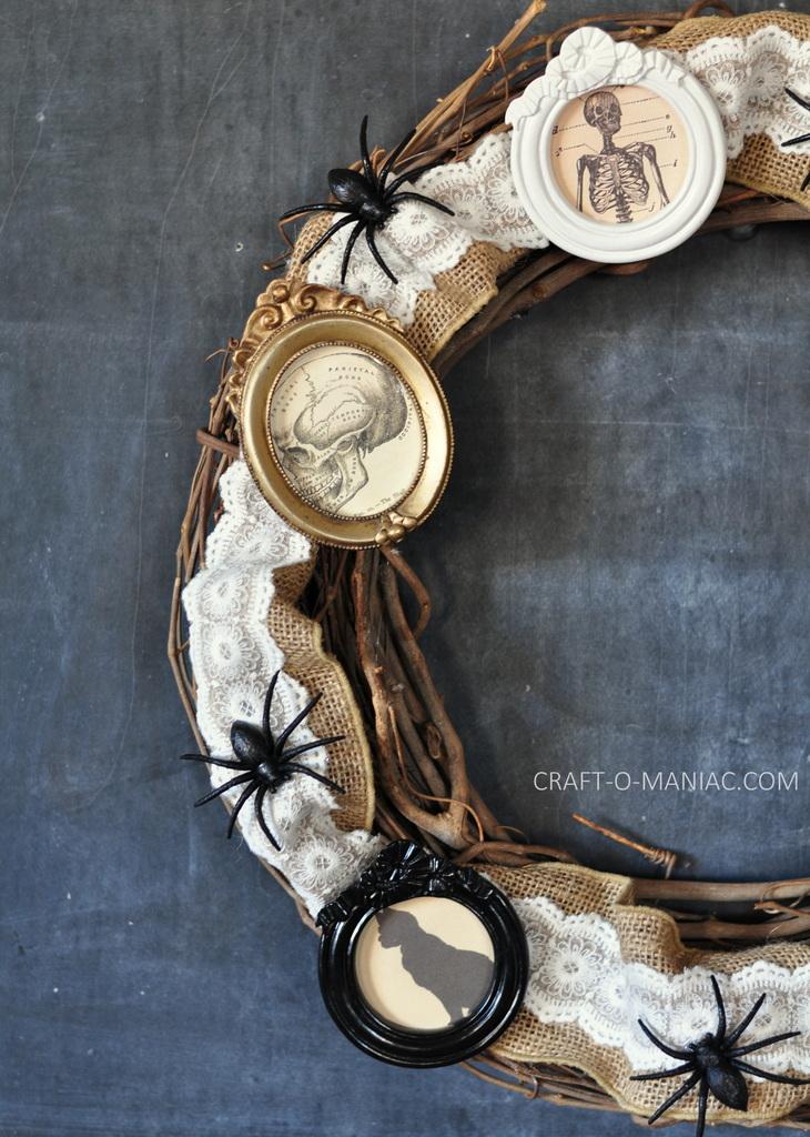 diy halloween vintage frames wreath3