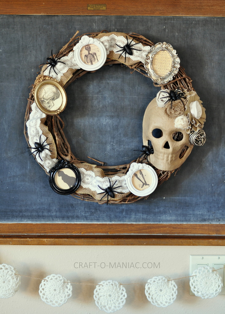 diy halloween vintage frames wreath7