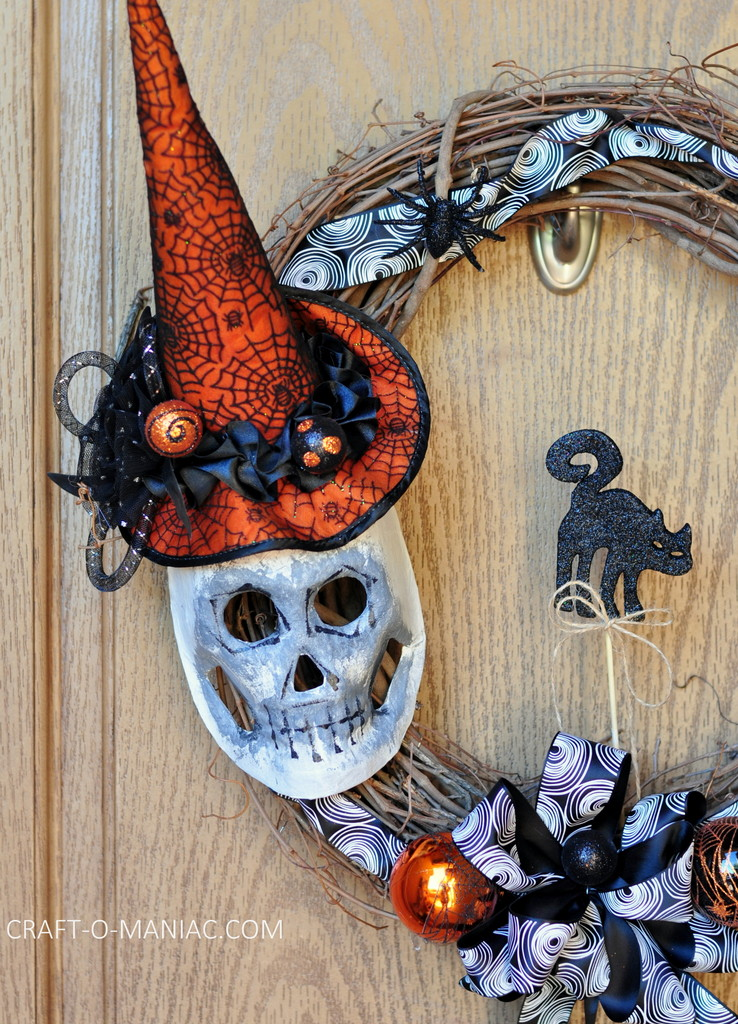 diy witch mask wreath3
