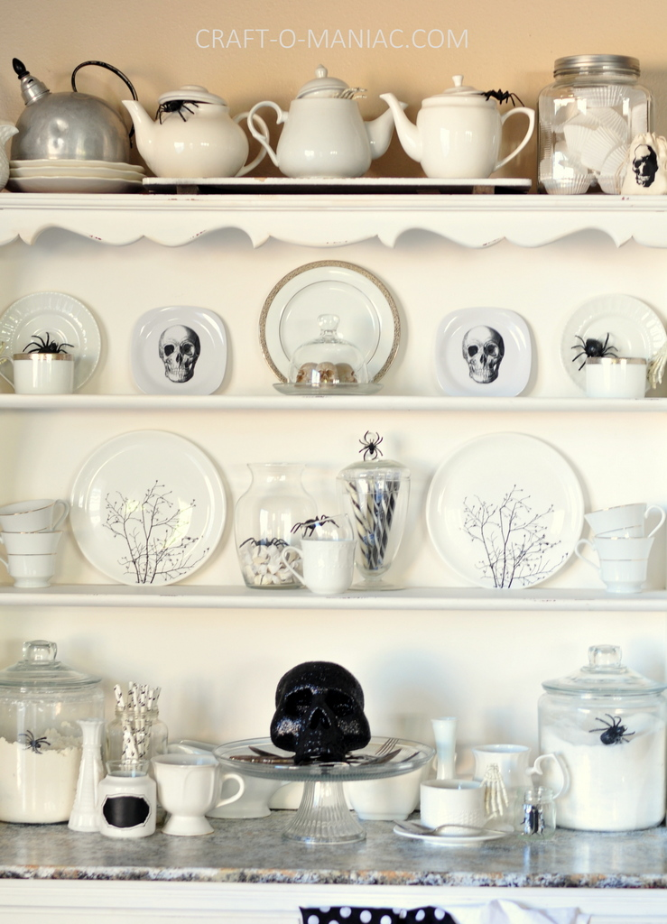 witches tea hutch decor2