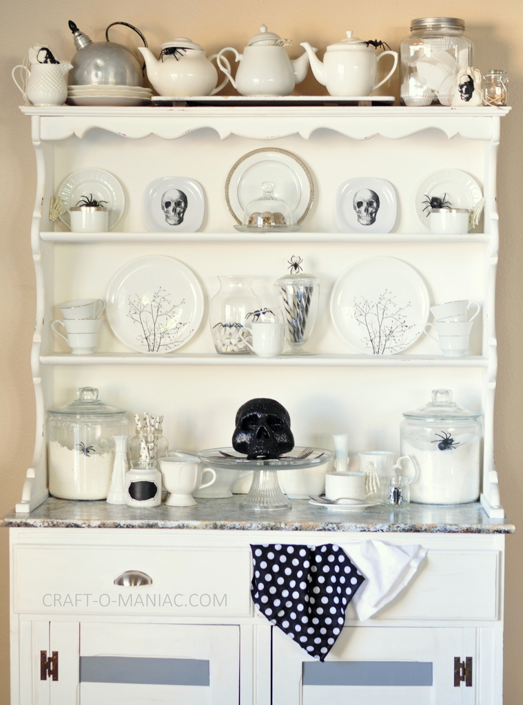 witches tea hutch facing