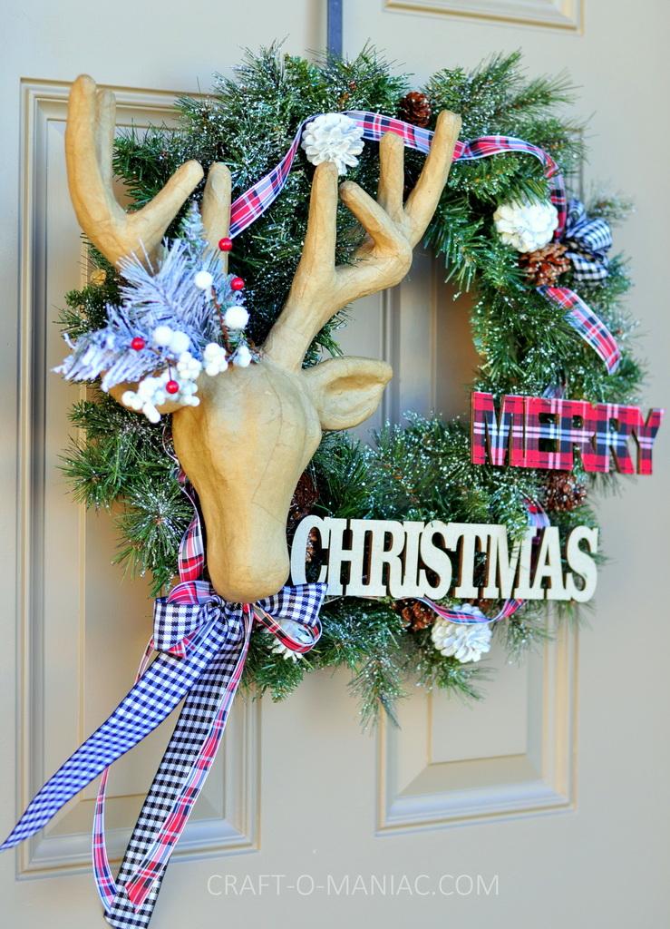 diy christmas reindeer and plaid wreath2