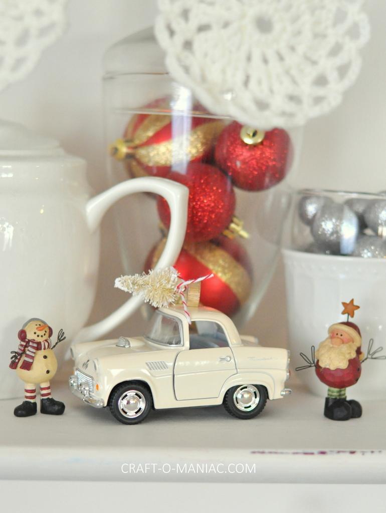 vintage christmas hutch car