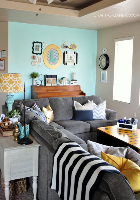 http://www.craft-o-maniac.com/wp-content/uploads/2015/01/living-room-colorful-chic.jpg