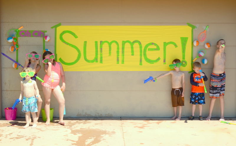 summer water party banner and kids5