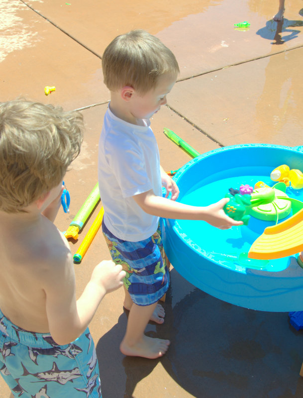 summer water party water table