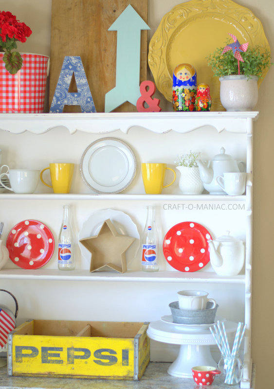 patriotic hutch decor with dolls3