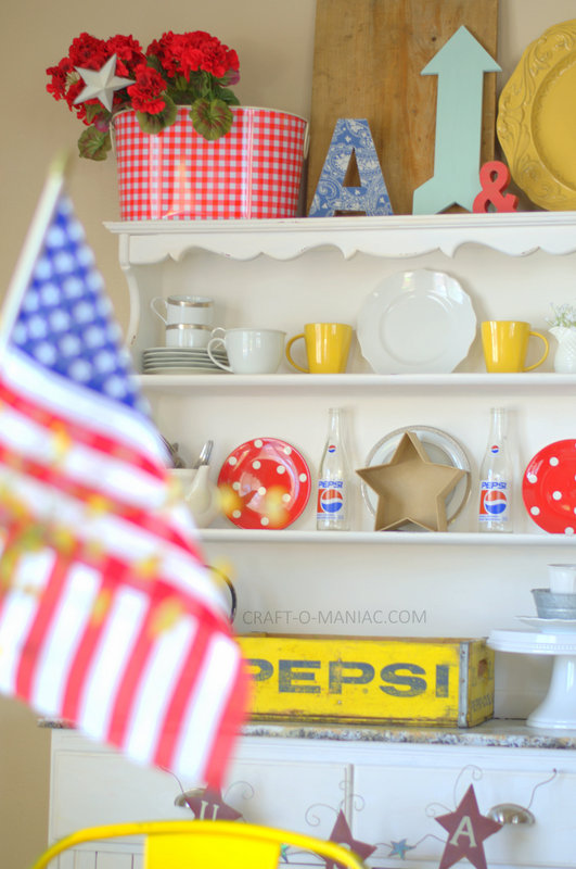 patriotic hutch decor7