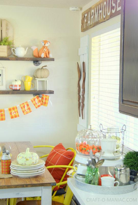 fall plaid kitchen decor7