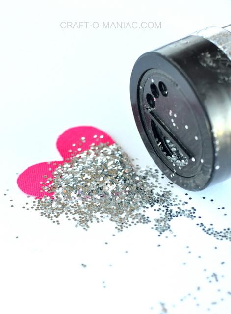 diy glitter and fabric heart earrings 5