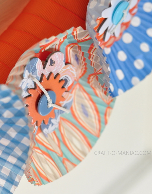 ribbon and cupcake liner wreath5