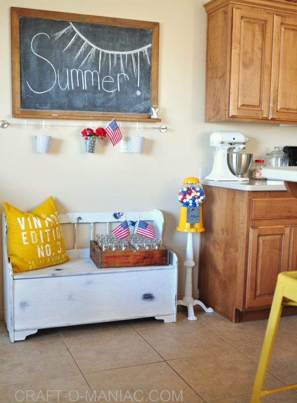 summer patriotic kitchen decor5
