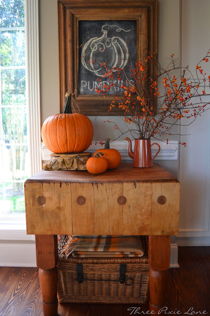 fall decor table and wall