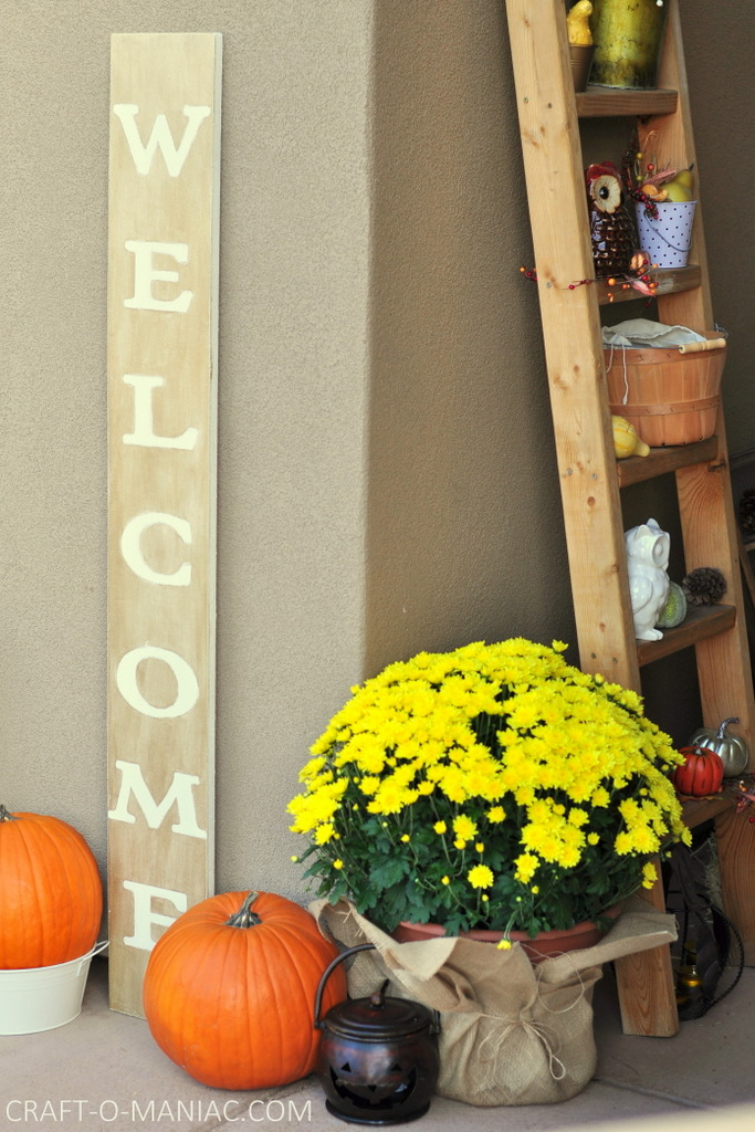 fall porch and welcome sign7-001