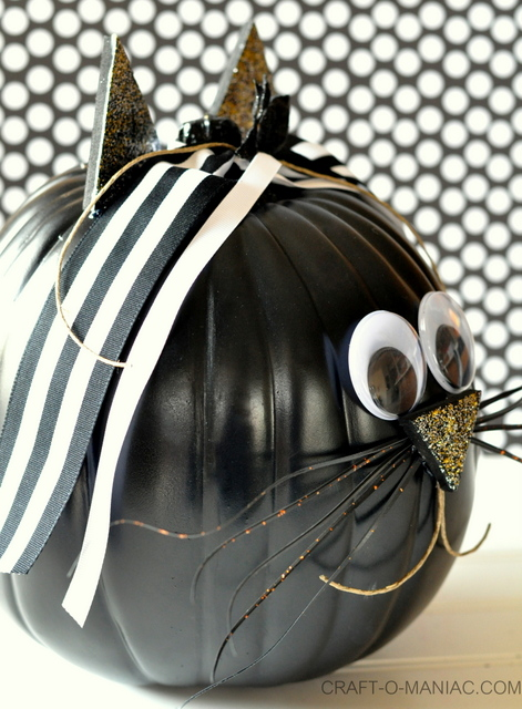 rustic halloween cat