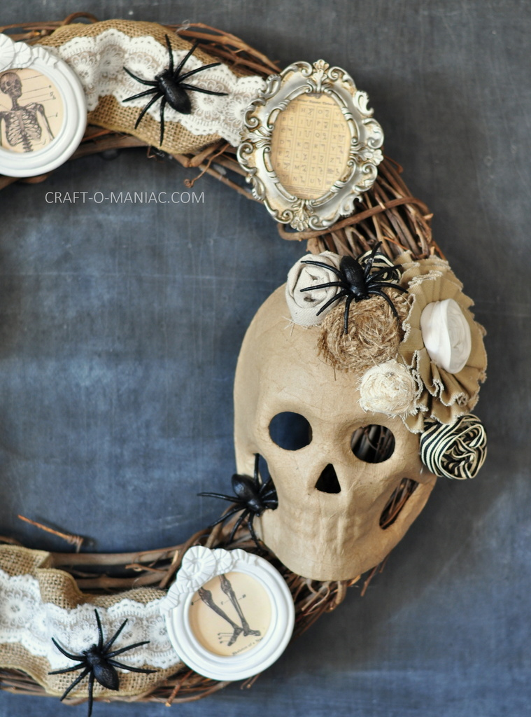 diy halloween vintage frames wreath11