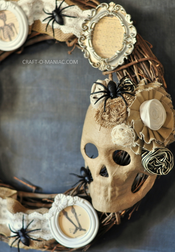diy halloween vintage frames wreath4