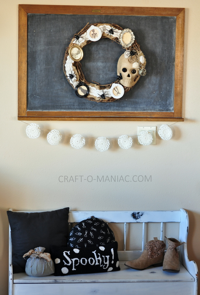 diy halloween vintage frames wreath8