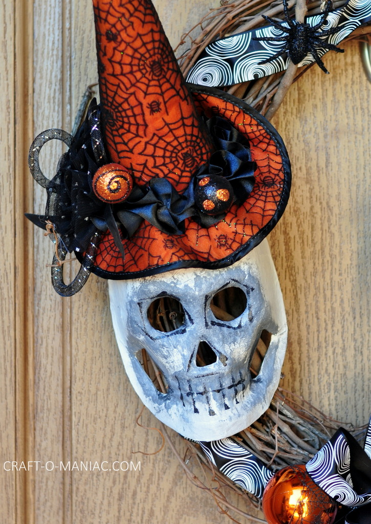 diy witch mask wreath4