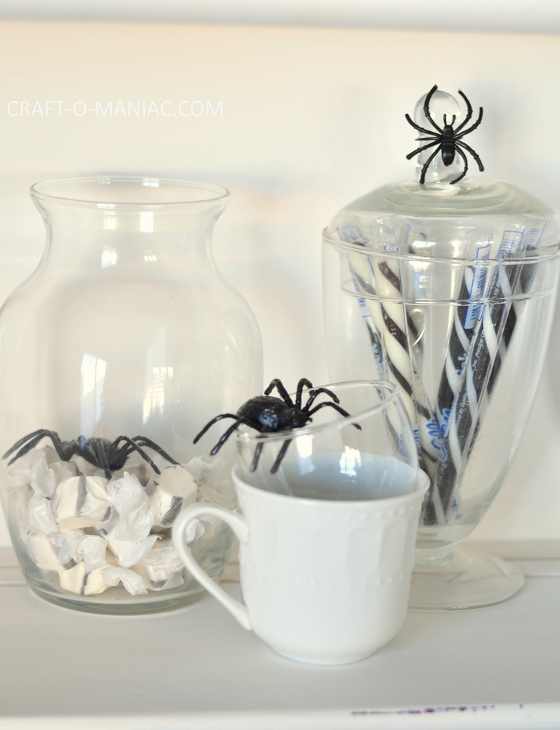 witches tea hutch candy spiders