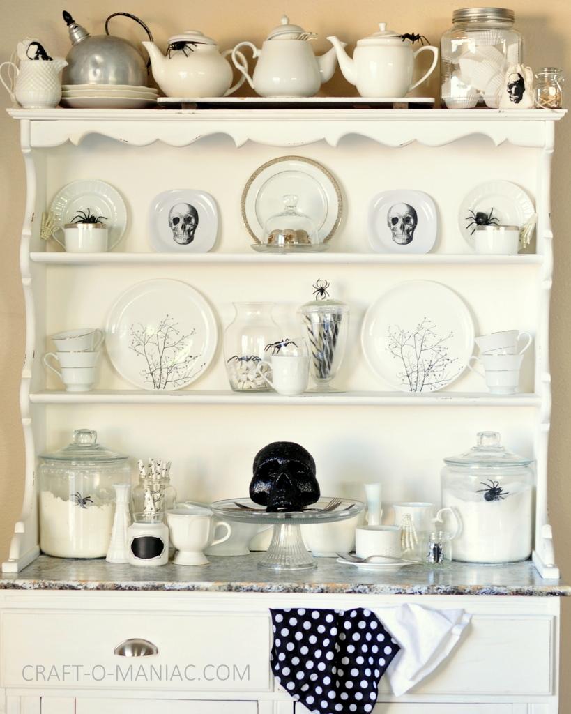 witches tea hutch decor1-001