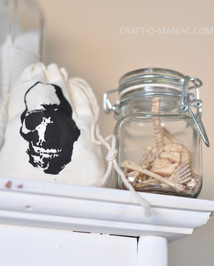 witches tea hutch skull bones