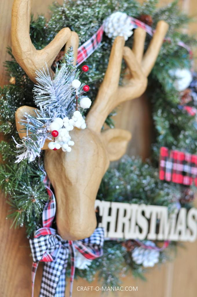 diy christmas reindeer and plaid wreath12