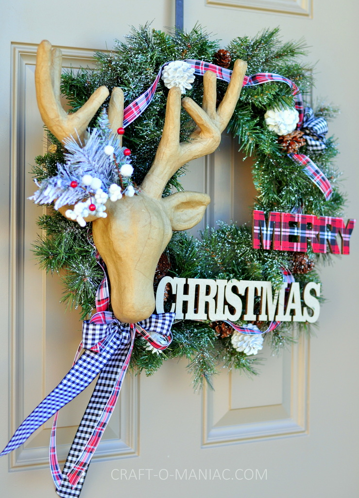 diy christmas reindeer and plaid wreath2