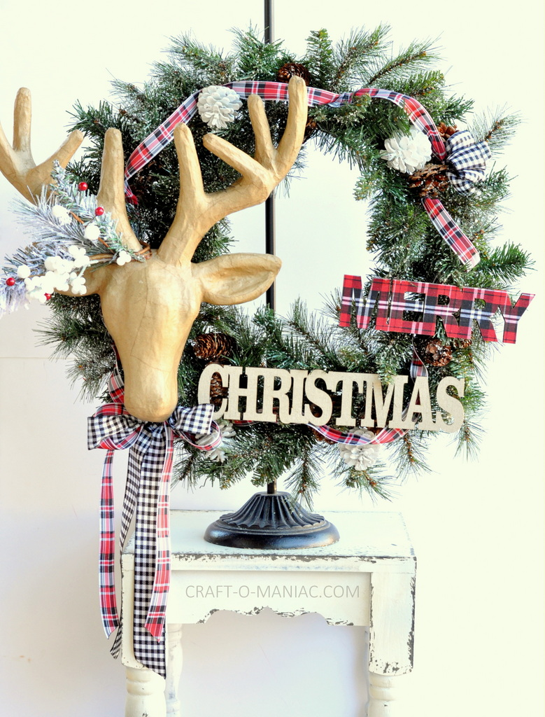 diy christmas reindeer and plaid wreath9