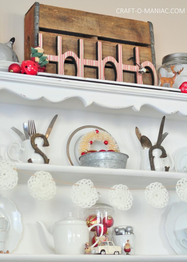 vintage christmas hutch 8