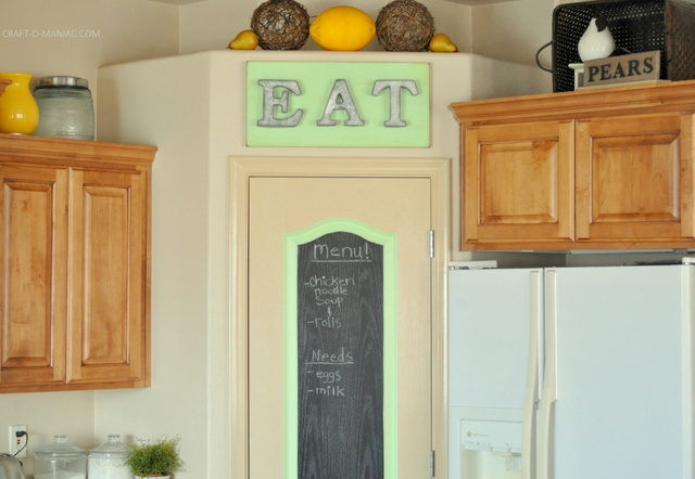 diy rustic eat sign and pantry door12