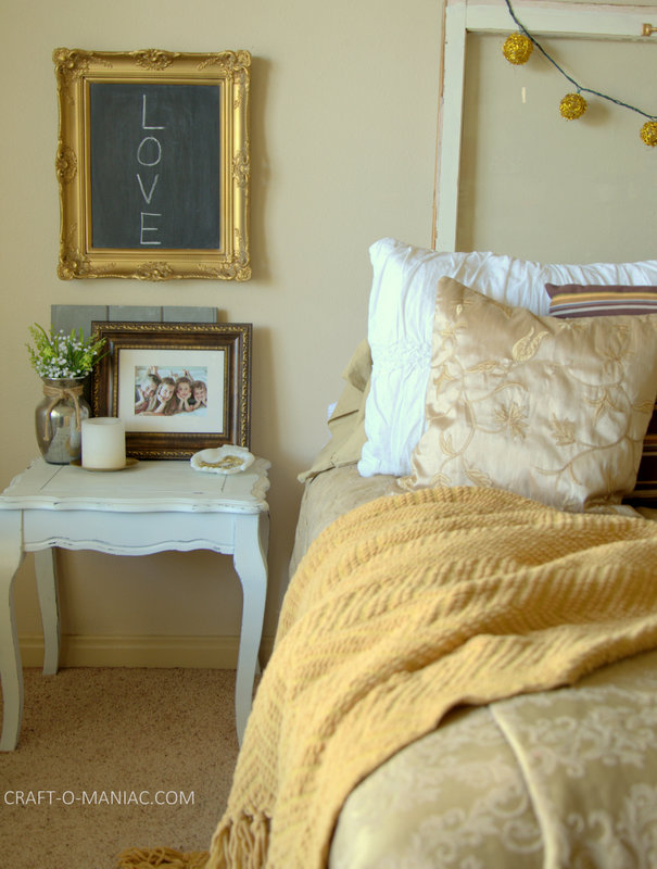 gold bedroom decor13