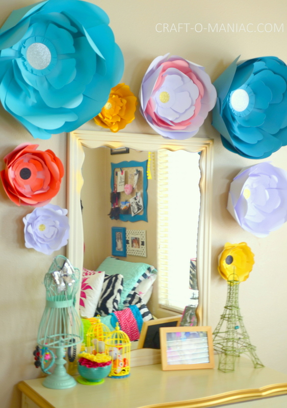 big blooom DIY paper flowers