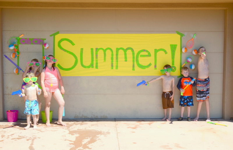 summer water party banner and kids1