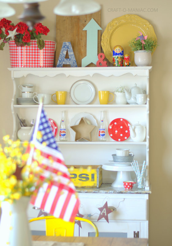patriotic hutch decor with dolls4