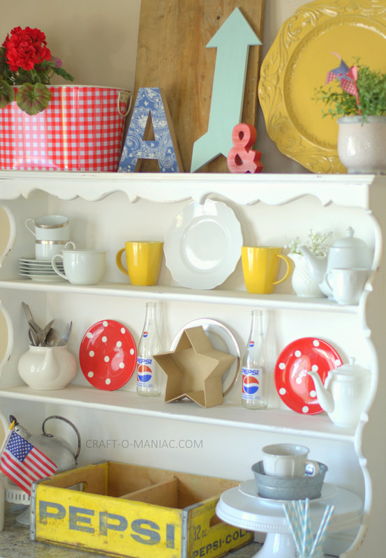 patriotic hutch decor10